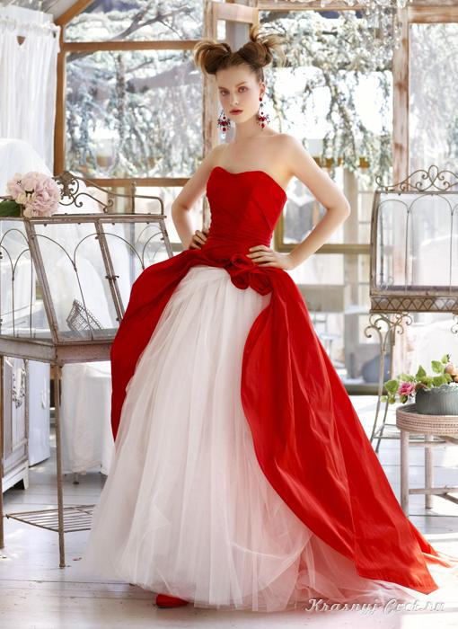Красно-белое свадебное платье