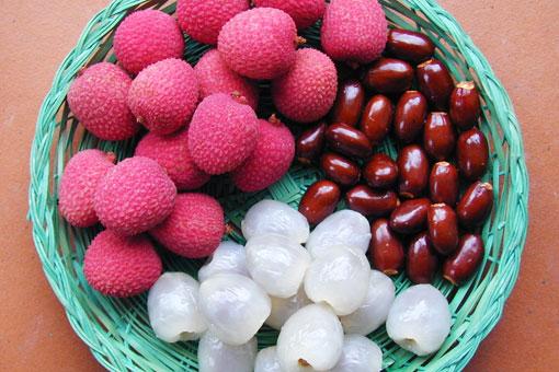 Китайский дивный красный фрукт личи