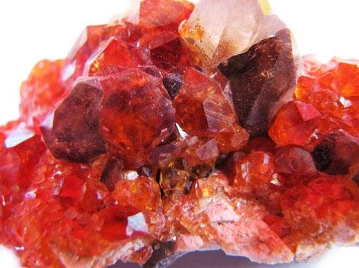 Целебные и магические свойства драгоценного камня гранат