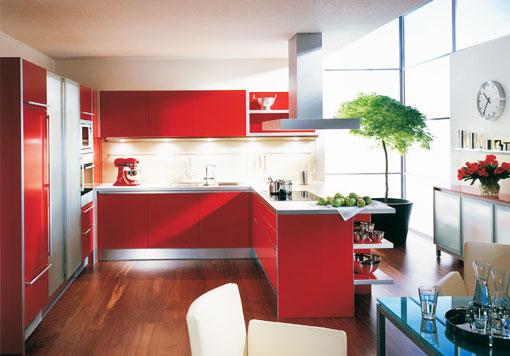 Красный цвет кухни