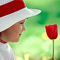 Детские стихи про красный цвет