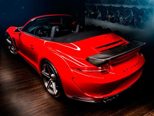 Красный порш 911 кабриолет вид сверху