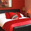 Как правильно сделать дизайн интерьера спальни в красном цвете
