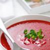 Греческий свекольник — полезный свежий красный суп с кислинкой