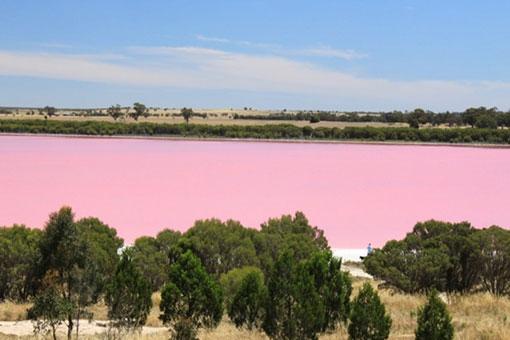 Красное озеро Хиллер