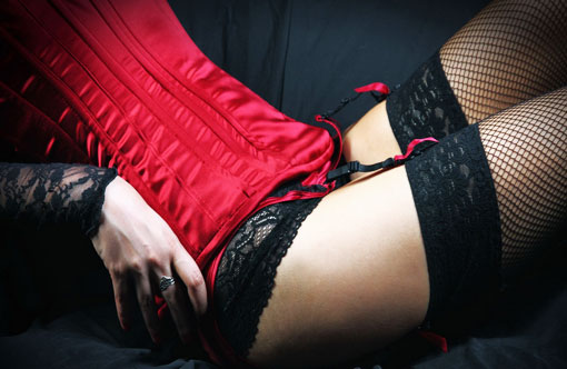 Почему мужчины выбирают женщин в красном
