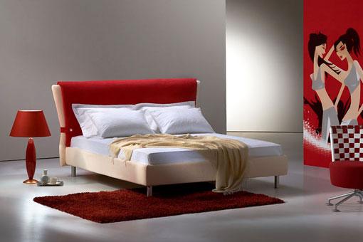 Красный цвет в спальной комнате