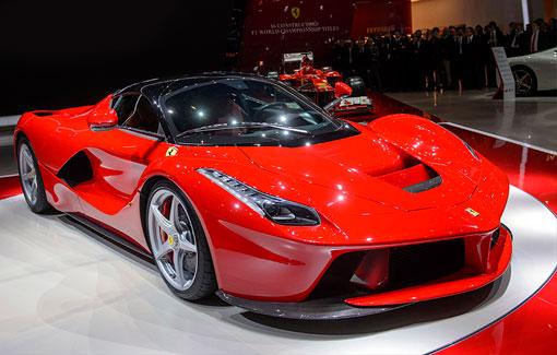 Презентация нового суперкара Ferrari LaFerrari, Женева, Швейцария