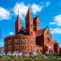 Минский красный костёл святого Симеона и святой Елены - украшение города