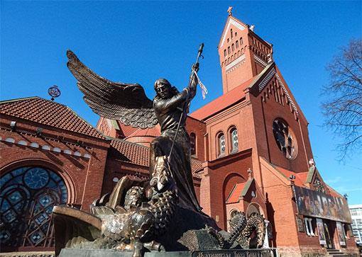 Скульптура Архангела Михаила