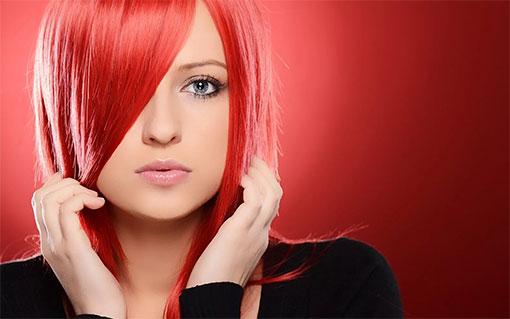 Ярко-красные волосы