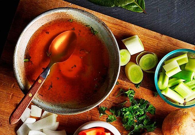Красный мясной бульон - его полезные свойства и способ приготовления